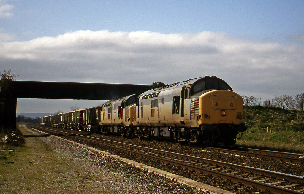 37689/37800, 11.06 Exeter Riverside Yard-Merehead Quarry, Cogload, 23-3-99.