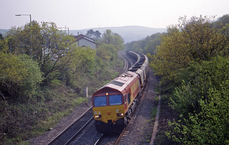 66096, 08.39 Llanwern-Grange Sidings, Brynna, near Bridgend, 4-5-99.