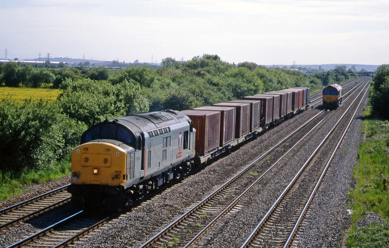 37802, up containers,St Mellons, near Cardiff, 25-5-99.