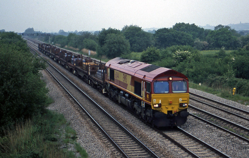66044, up steel, St Mellons, near Cardiff, 19-5-99.