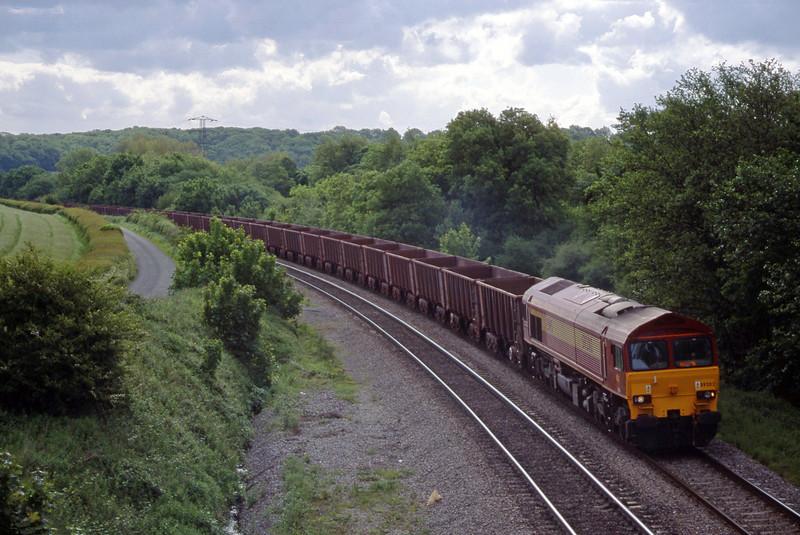 59202, 08.27 Llanwern-Port Talbot, Llangewydd Court Farm, near Bridgend, 25-5-99.