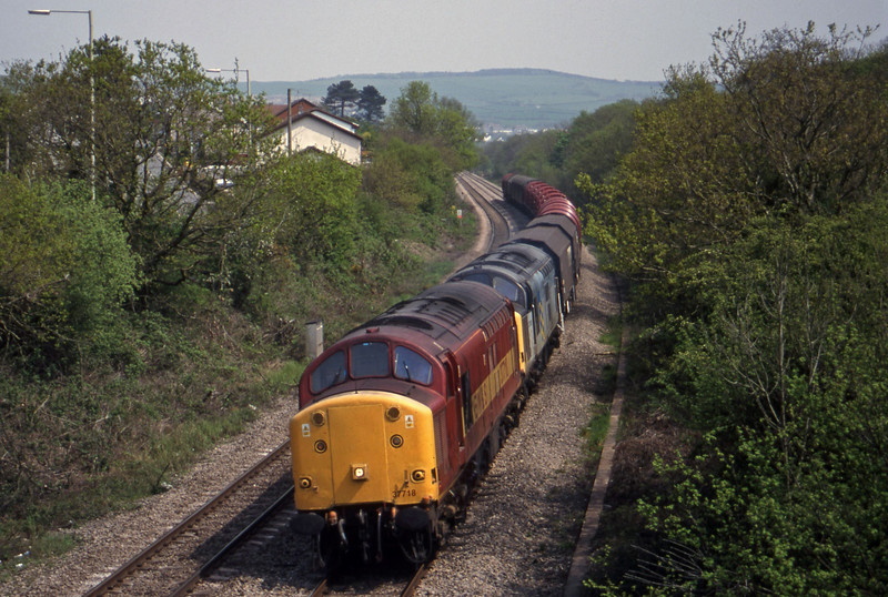 37718/37708, 10.06 Round Oak-Margam, Brynna, near Bridgend, 4-5-99.