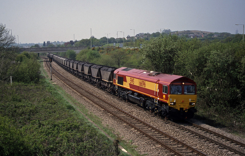 66096, 12.15 Grange Sidings-Llanwern, Brynna, near Bridgend, 4-5-99.