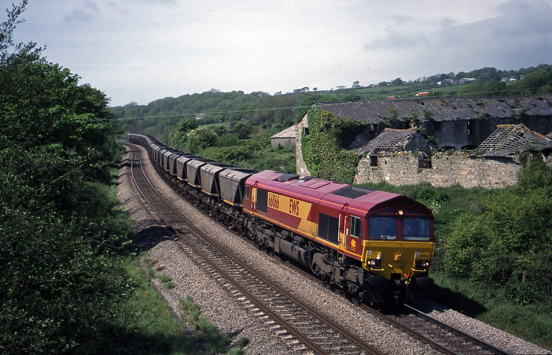 66066, 12.36 Grange Sidings-Llanwern, Llangewyyd Court Farm, near Bridgend, 11-5-99.
