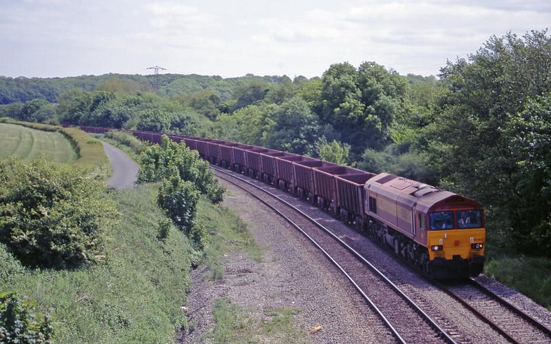 59203, 11.55 Llanwern-Port Talbot, Llangewydd Court Farm, near Bridgend, 25-5-99.