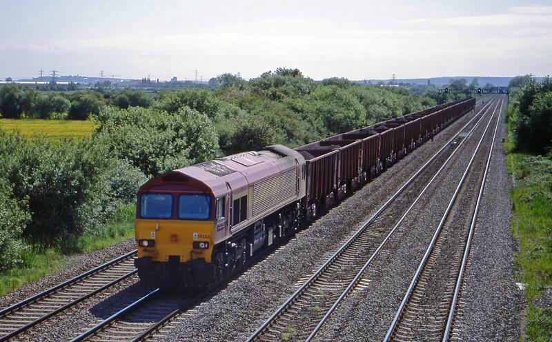 59203, 14.40 Port Talbot-Llanwern, St Mellons, near Cardiff, 25-5-99.