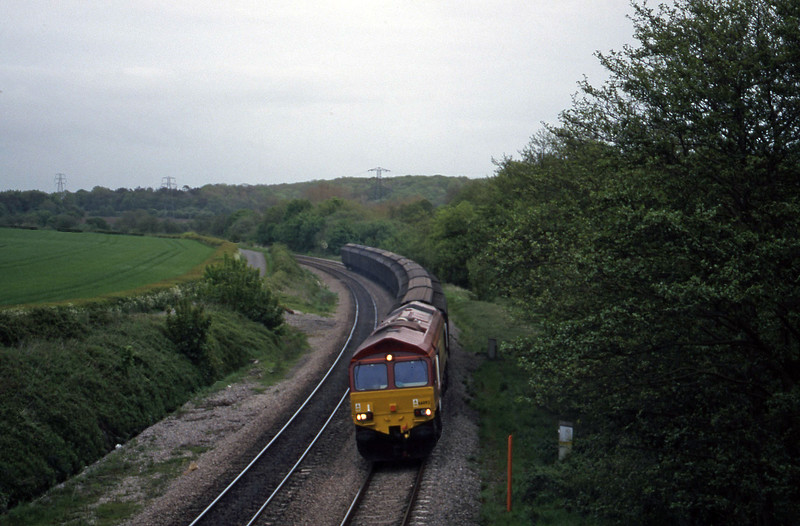 66092, down Cartics, Llangewydd Court Farm, near Bridgend, 11-5-99.
