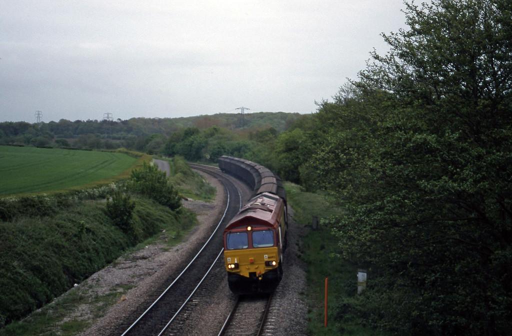 66092, down Cartics, Llangewydd Court Farm, near Bridgend, 11-5-99.