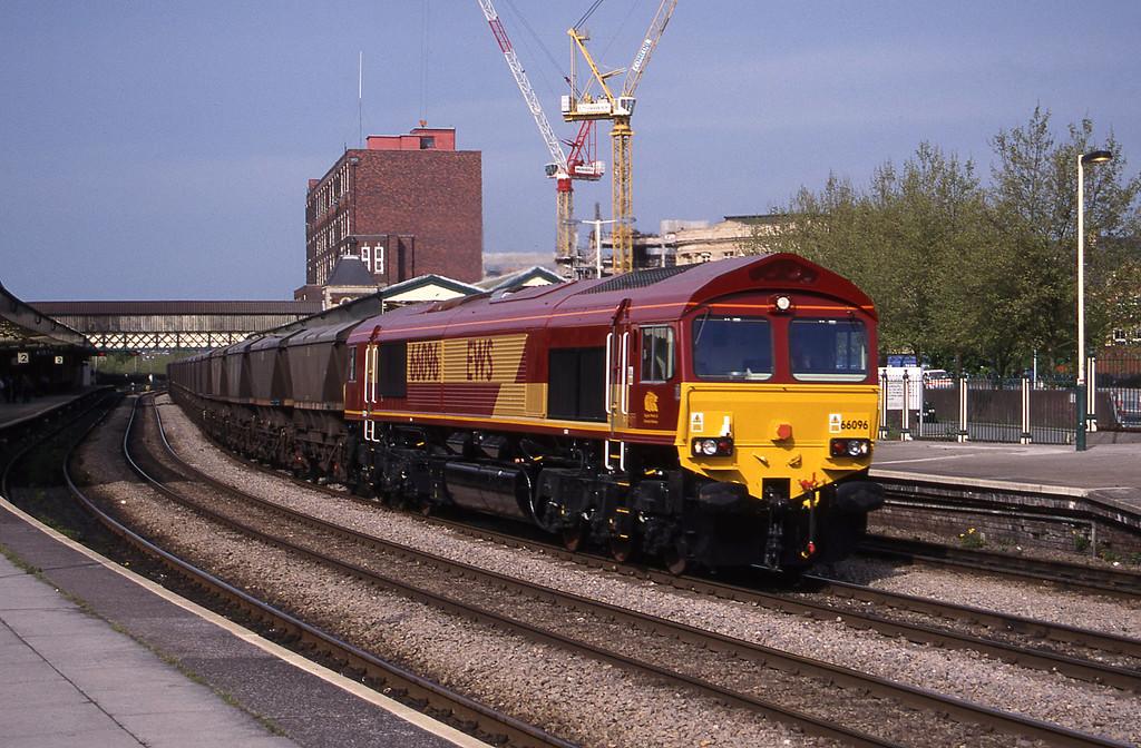 66096, 17.37 Llanwern-Grange Sidings, Newport, 4-5-99.