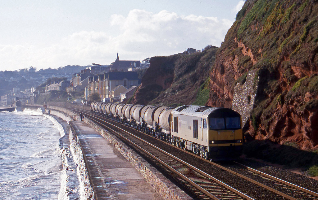 60015, 09.30 Burngullow-Newport Alexandra Dock Junction, Dawlish, 20-11-99.