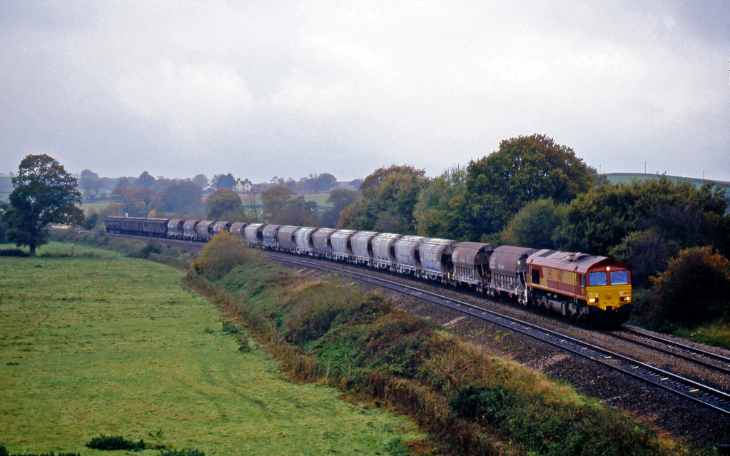 66157, 10.16 Exeter Riverside Yard-Dollands Moor, Silverton, near Exeter, 6-11-99.