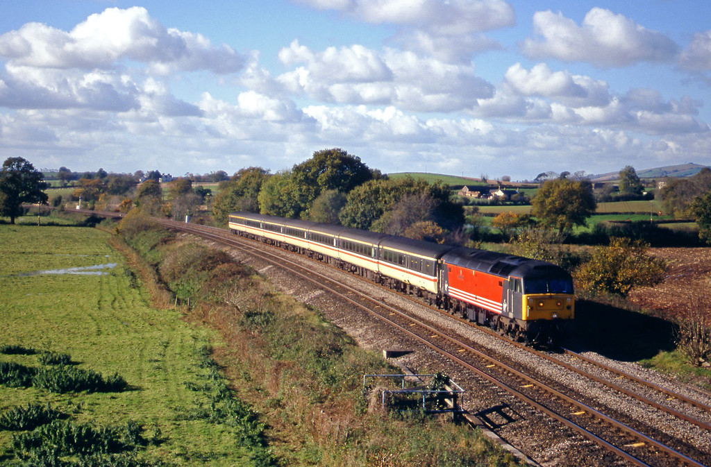 47845, 08.45 Penzance-Manchester Piccadilly, Silverton, near Exeter, 6-11-99.