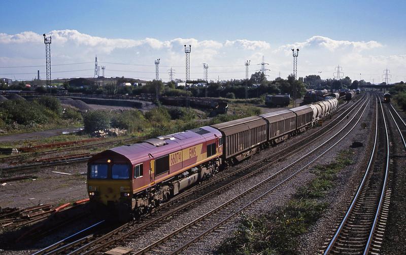 66074, 13.57 Cardiff-Mossend, Newport Alexandra Dock Junction, 5-10-99.