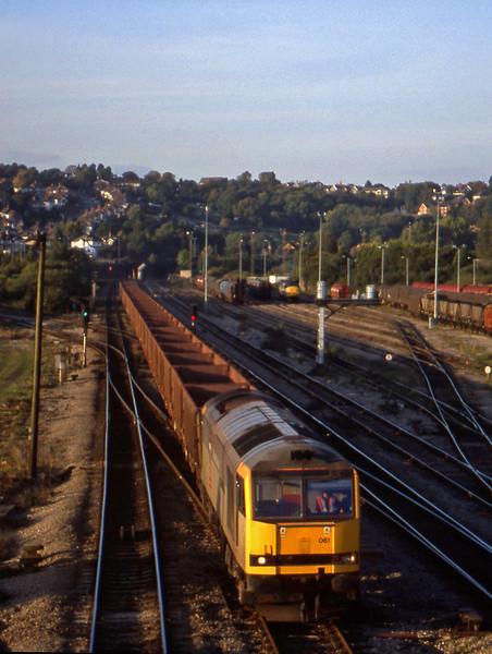 60061, 14.56 Llanwern-Port Talbot, Newport Alexandra Dock Junction, 12-10-99.