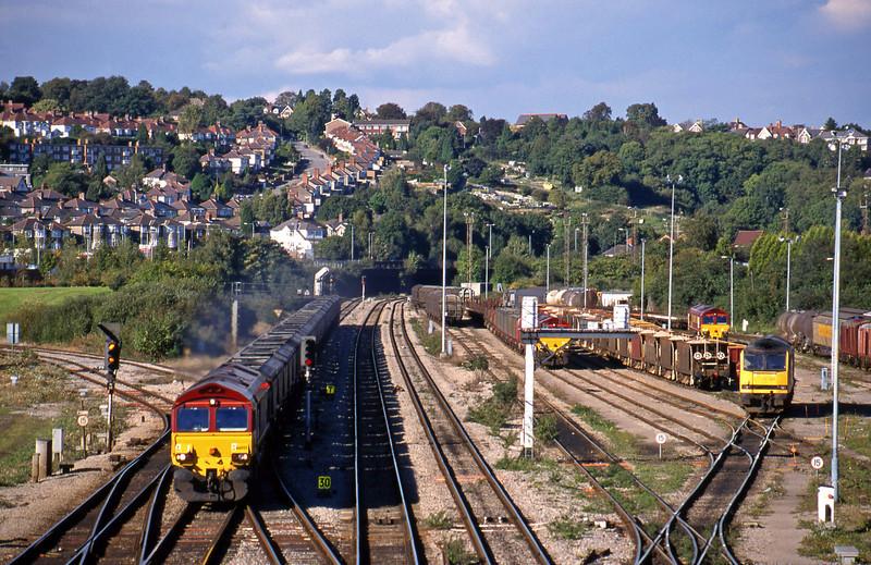 66055, 14.25 Llanwern-Grange Sidings, 66136, down steel empties to yard, Newport Alexandra Dock Junction, 5-10-99.