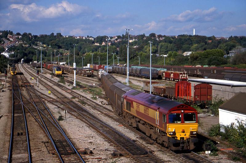 66052, down steel, departs Newport Alexandra Dock Junction, 5-10-99.