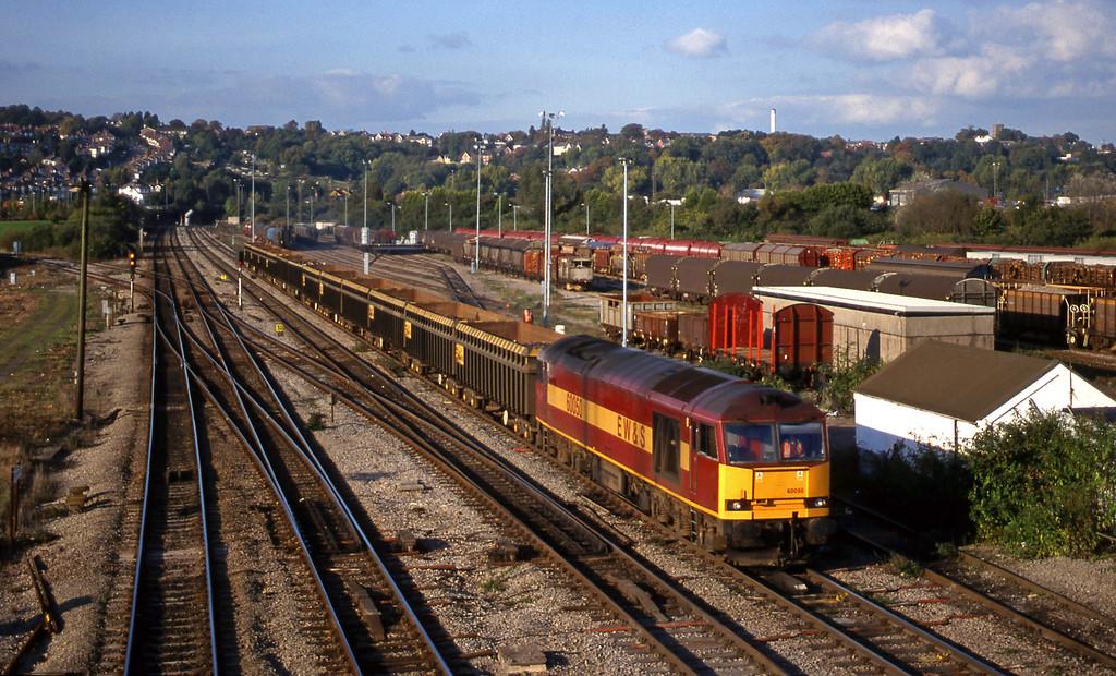 60050, down scrap Newport Alexandra Dock Junction, 12-10-99.