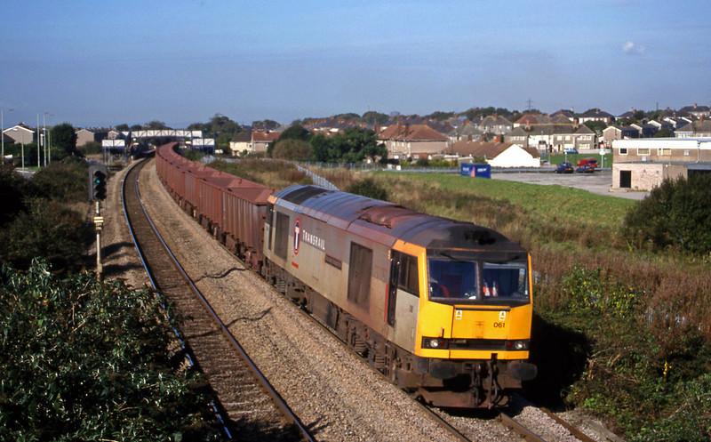 60061, 1.02 Port Talbot-Llanwern, Pyle, near Bridgend, 12-10-99.