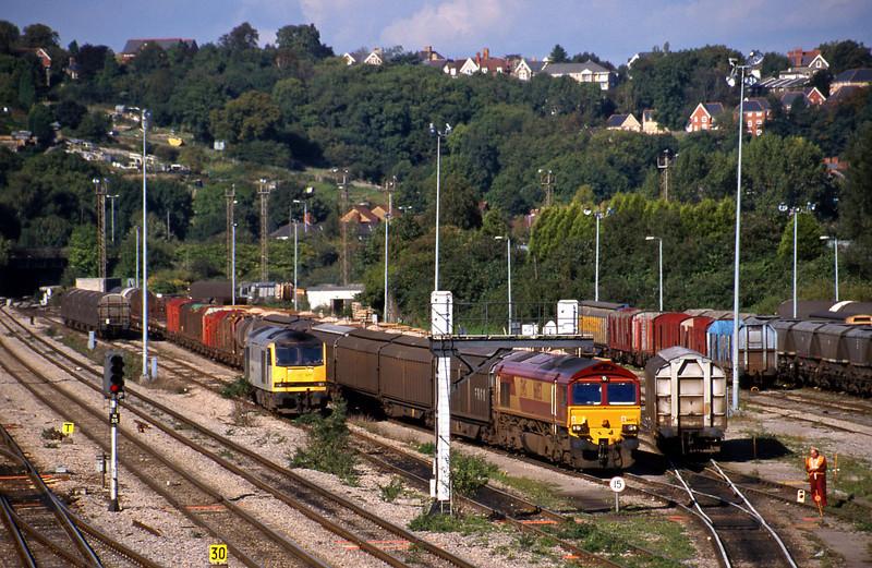 66052, down Cargowagons, Newport Alexandra Dock Junction, 5-10-99. 60077, stabled.
