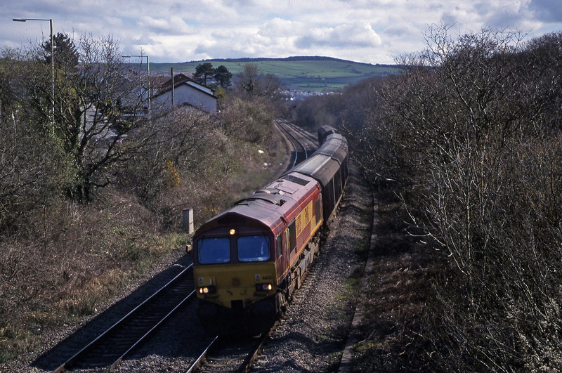 66135, down Cargowagons, Brynna, near Bridgend, 5-4-00.