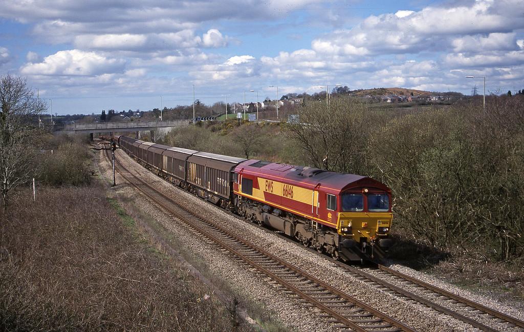 66146, 09.18 Swansea-Newport Alexandra Dock Junction, Brynna, near Bridgend, 5-4-00.