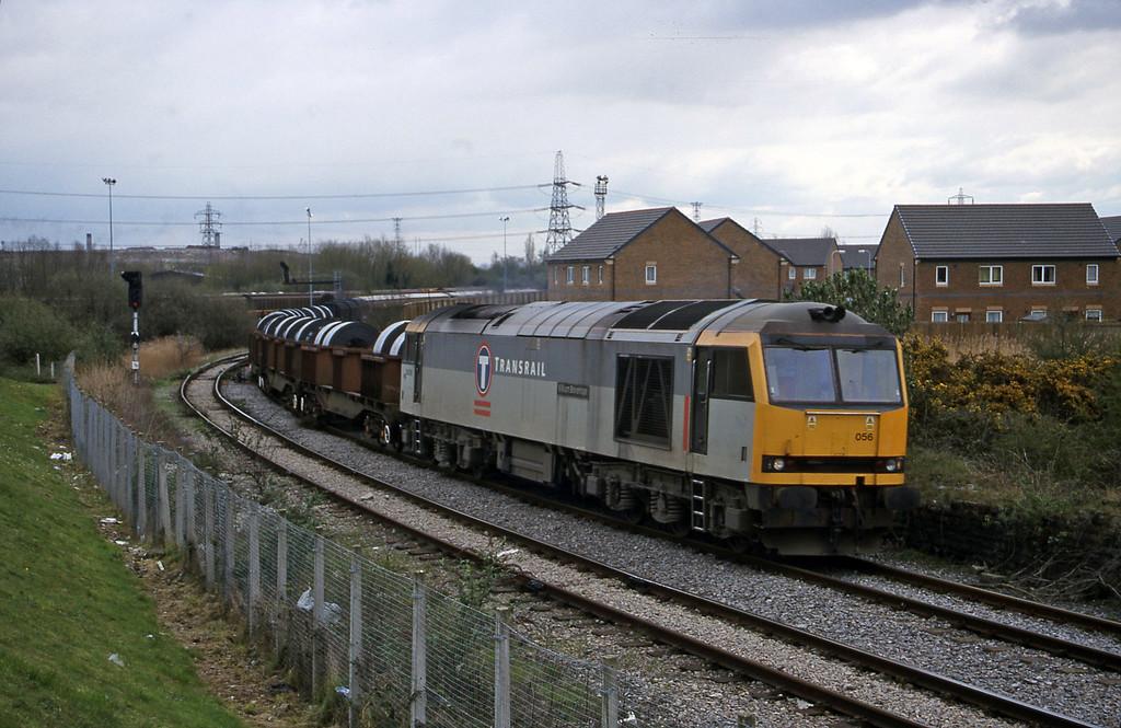 60056, 11.56 Margam-Ebbw Vale, approaching Newport Park Junction, 5-4-00.
