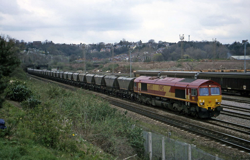 66197, 14.25 Llanwern-Grange Sidings, Newport Alexandra Dock Junction Yard, 5-4-00.