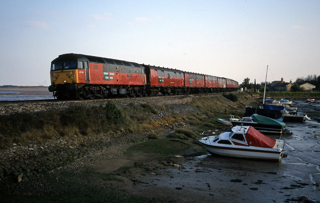 47746, 17.23 Plymouth-Low Fell, Cockwood Harbour, near Starcross, 10-4-00.