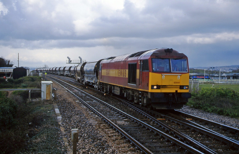60041, 08.57 Cliffe Vale-St Blazey, Dawlish Warren, 11-4-00.