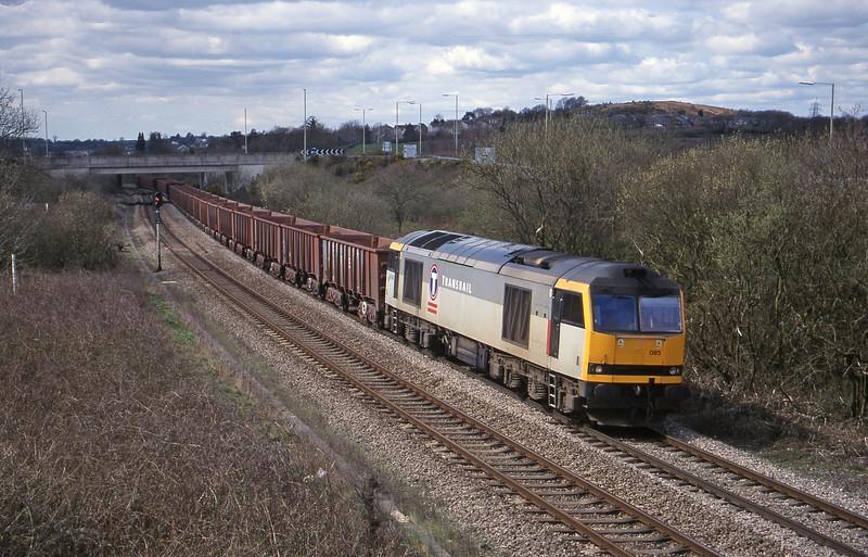 66085, 11.02 Port Talbot-Llanwern, Brynna, near Bridgend, 5-4-00.