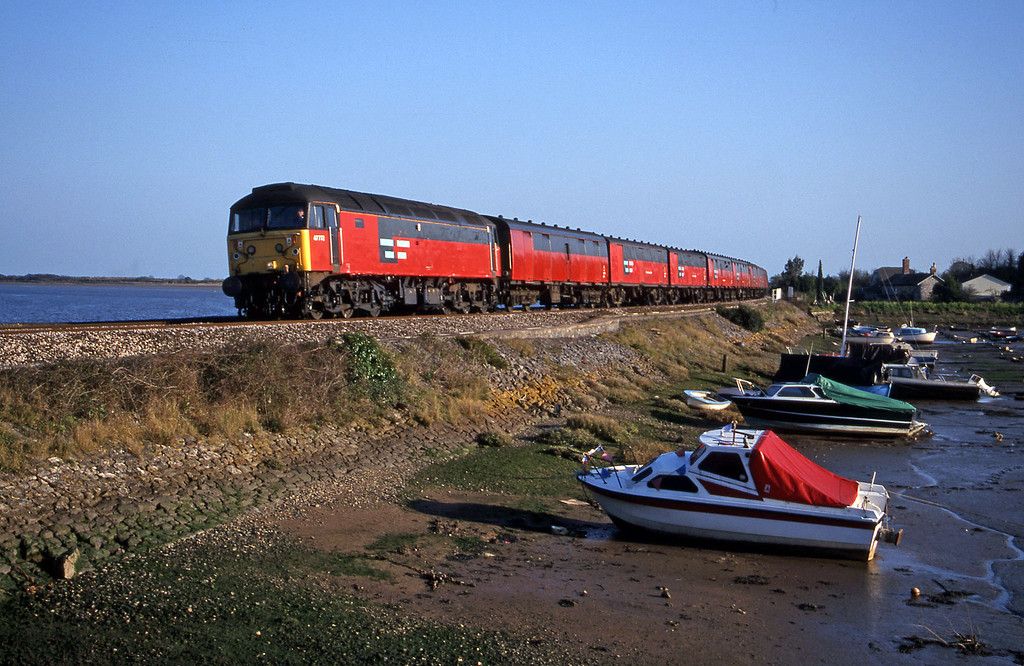 47772, 17.23 Plymouth-Low Fell, Cockwood Harbour, near Starcross, 6-4-00.