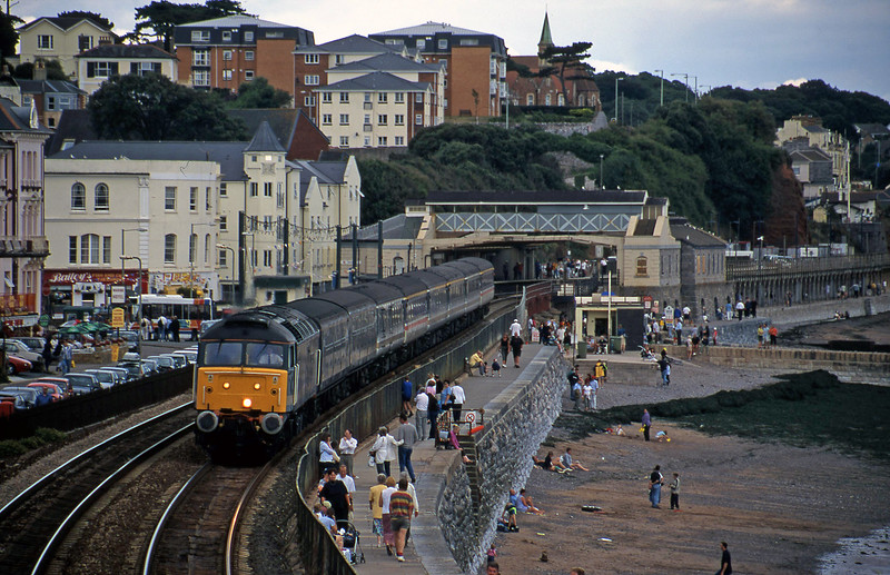 47815,12.03 London Paddington-Penzance, Dawlish, 28-8-00.
