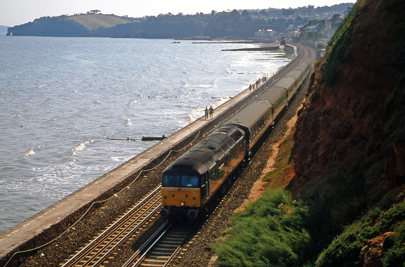 47815, 12.52 Penzance-London Paddington, Dawlish, 30-8-00.