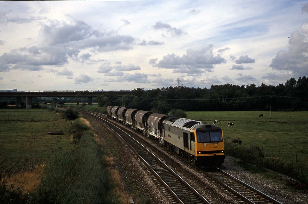 60094, 08.57 Cliffe Vale-St Blazey, Exminster, near Exeter, 8-8-00.