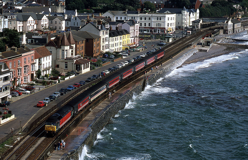 47851, 16.18 Paignton-Manchester Piccadilly, Dawlish, 19-8-00.