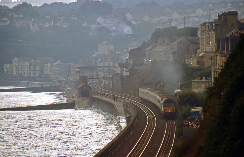 47701, 10.17 Paignton-Manchester Piccadilly, Dawlish, 26-8-00.