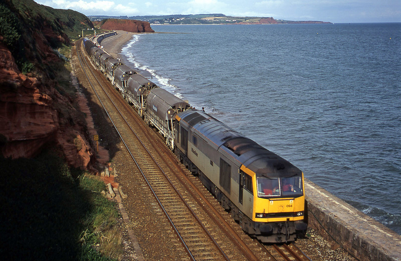60094, 08.57 Cliffe Vale-St Blazey, Dawlish, 16-8-00.