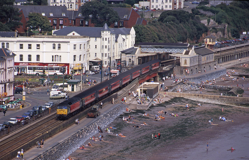47814, 09.13 Liverpool Lime Street-Plymouth, Dawlish, 30-8-00.