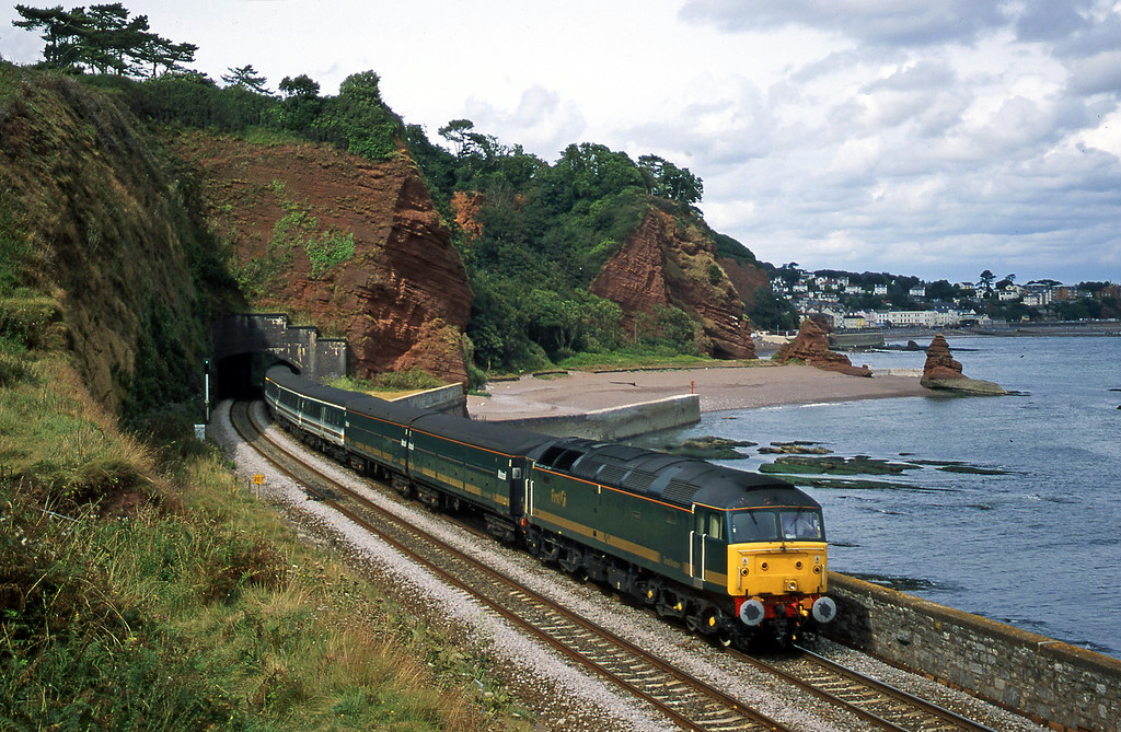 47846, 12.03 London Paddington-Penzance, Horse Cove, Dawlish, 16-8-00.