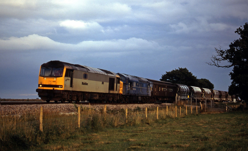 60094/37055, 16.55 St Blazey-Cliffe Vale, Powderham, near Exeter, 7-8-00.