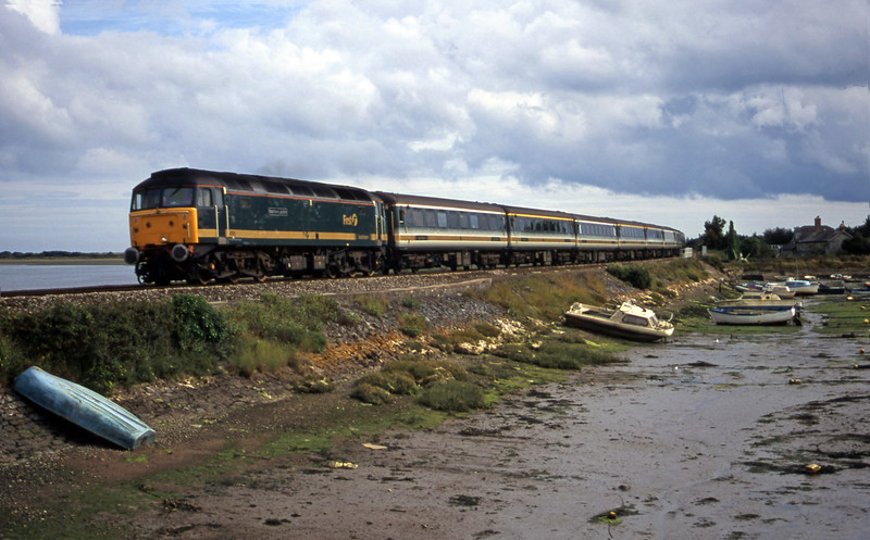 47815, 12.52 Penzance-London Paddington, Cockwood Harbour, near Starcross, 16-8-00.