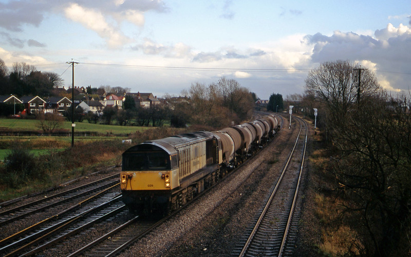 58029, 09.15 Westbury-Newport Alexandra Dock Junction Yard, Magor, 14-12-00.