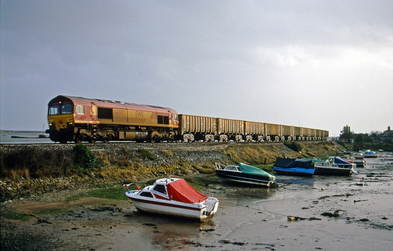 66093, up stone empties, Cockwood Harbour, near Starcross, 7-2-00.