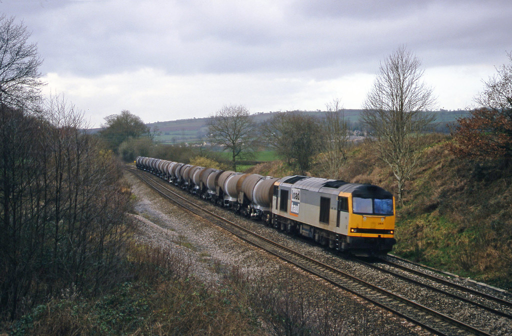 60064, 09.40 Burngullow-Newport Alexandra Dock Junction Yard, Whiteball, 9-2-00.