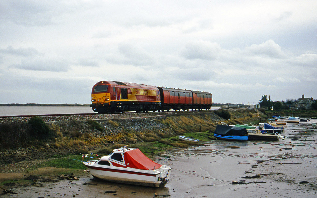 67008, Plymouth-Exeter St David's test train, Cockwood Harbour, near Starcross, 29-2-00.
