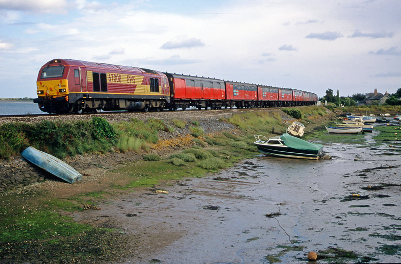 67008, 17.23 Plymouth-Low Fell, Cockwood Harbour, near Starcross, 10-7-00.