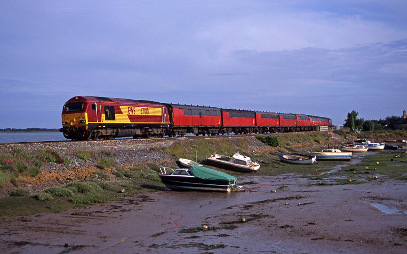 67010, 17.23 Plymouth-Low Fell, Cockwood Harbour, near Starcross, 3-7-00.