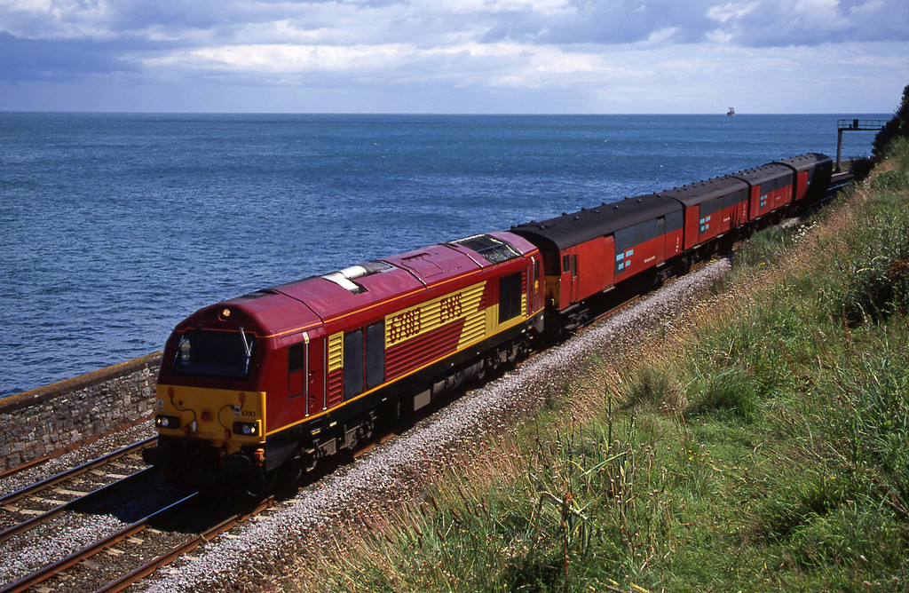 67013, 13.53 Plymouth-Bristol Temple Meads, Horse Cove, Dawlish, 11-7-00.