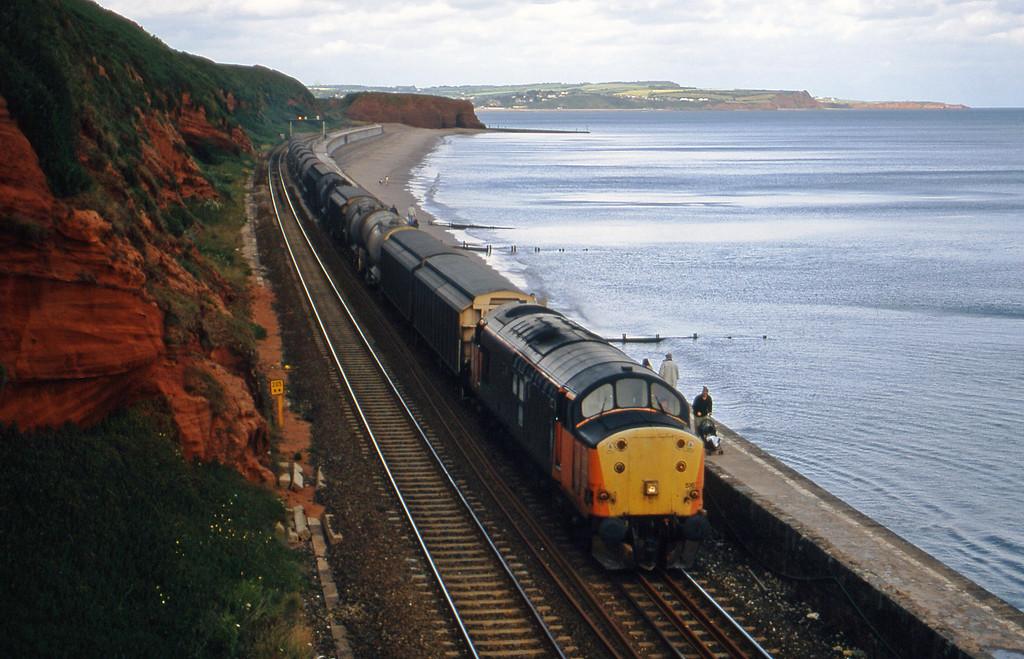 37516, 08.57 Cliffe Vale-St Blazey, Dawlish, 10-7-00.