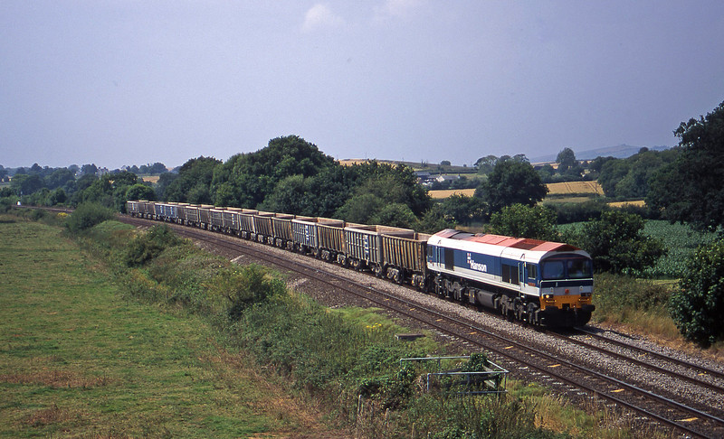 59104, 12.35 Exeter Riverside Yard-Merehead Quarry, Silverton, near Exeter, 26-7-00.